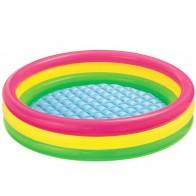 Kleurrijk opblaasbaar zwembad