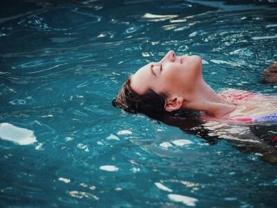 Verwarmd zwembadwater